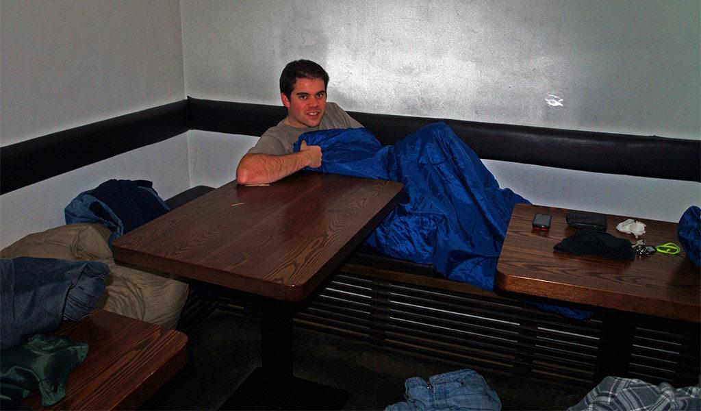Durmiendo en el restaurante japonés